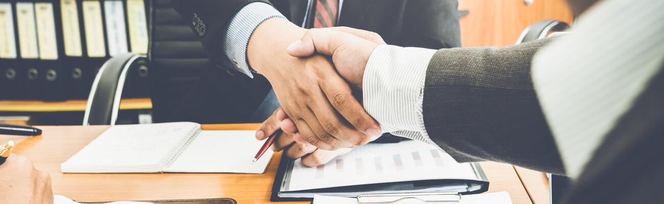 IT-BLOG-bollette-e-contratti-energia-4-particolarita-da-sapere-prima-di-firmare-un-contratto-DETAIL